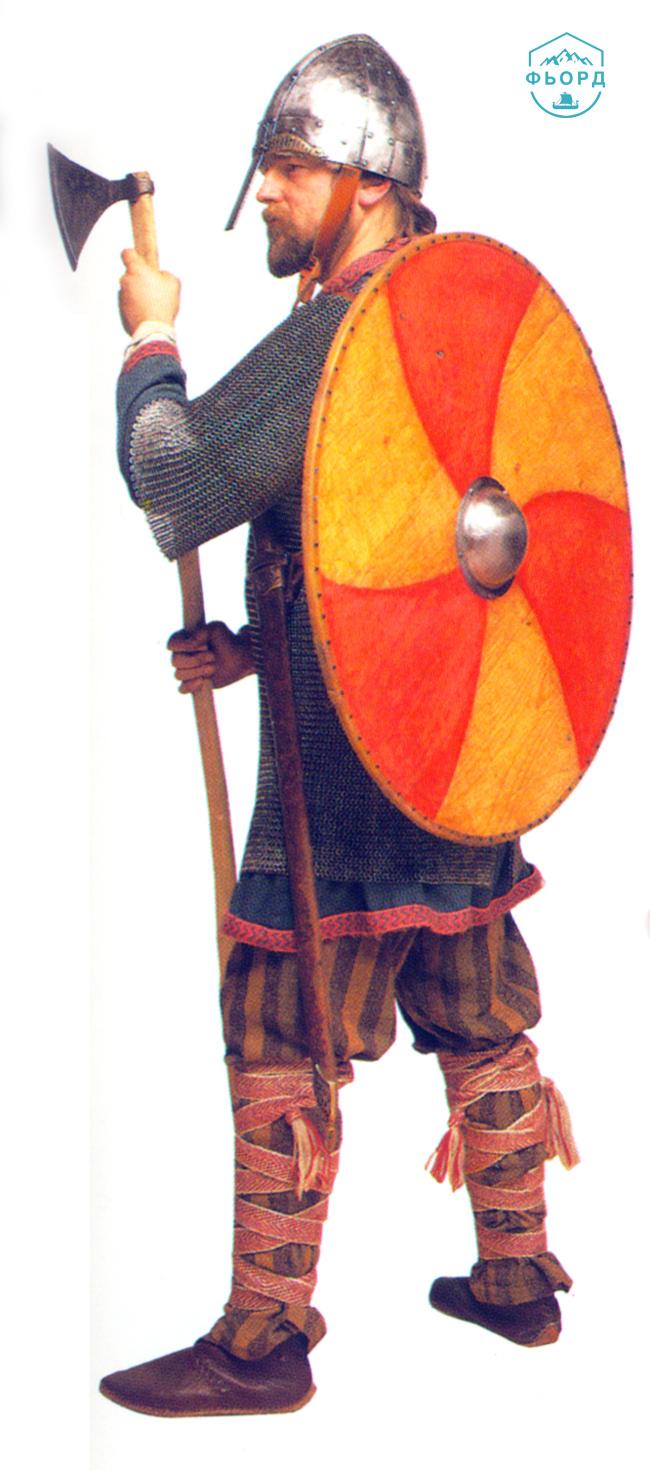 Воин викинг в полном вооружении