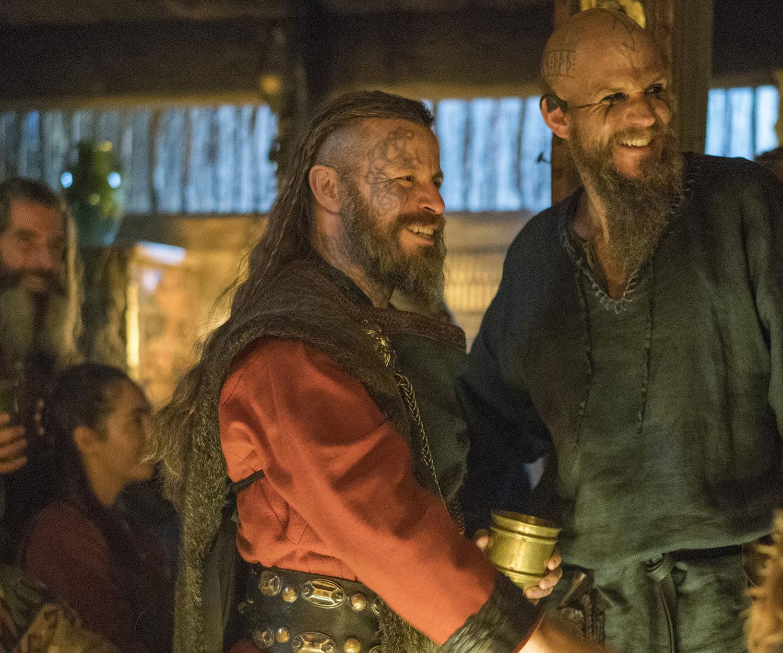 Харальд Прекрасноволосый из сериала Викинги. Роль исполняет Питер Францен