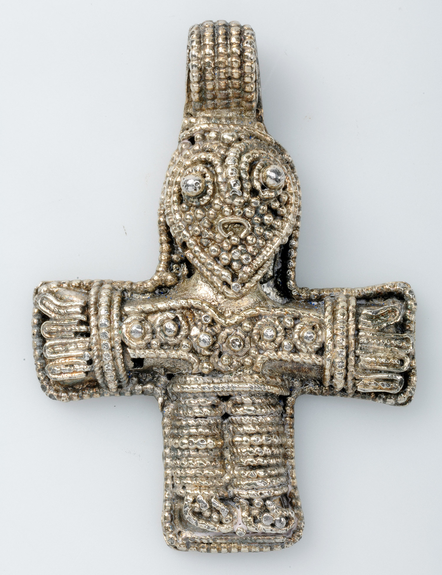 Распятие, серебряный кулон. Бьёркё, Швеция. Исторический музей Швеции